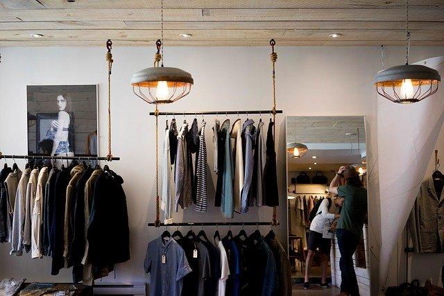 Comment choisir des vêtements pour une sortie ?