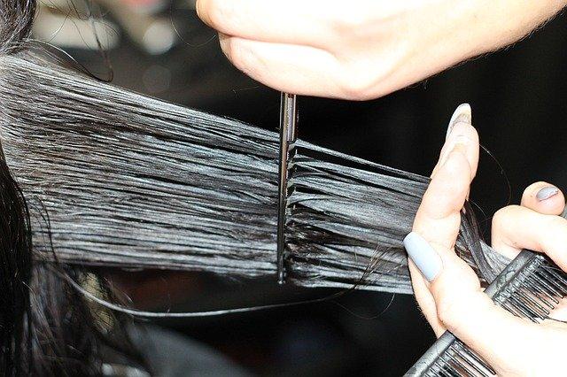 À quelle fréquence devriez-vous couper les cheveux?